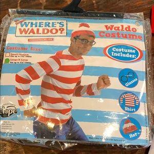 Men's Where's Waldo Halloween costume unisex